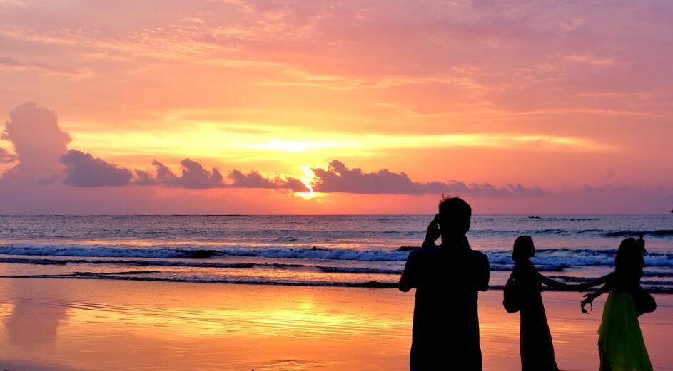巴厘岛——神的孩子会跳舞